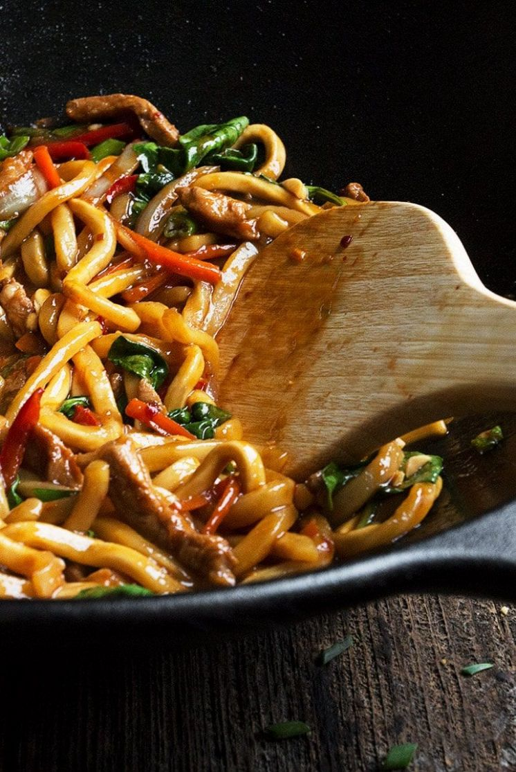 10 Minute Spicy Pork Udon Stir Fry - Recipe Pork Udon