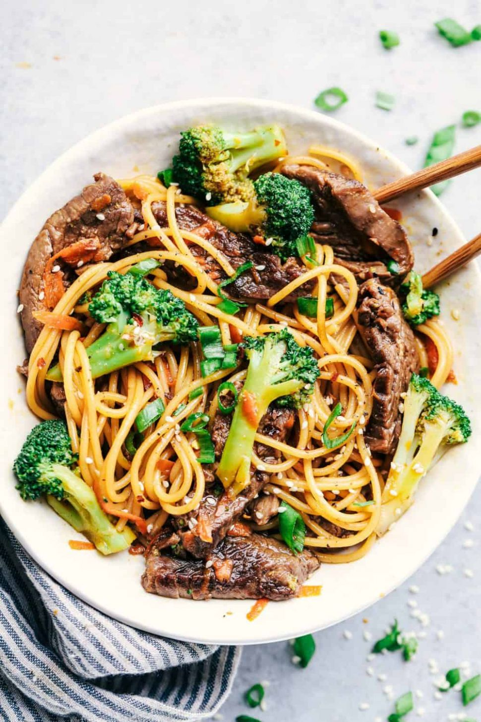 9 Minute Garlic Beef and Broccoli Lo Mein
