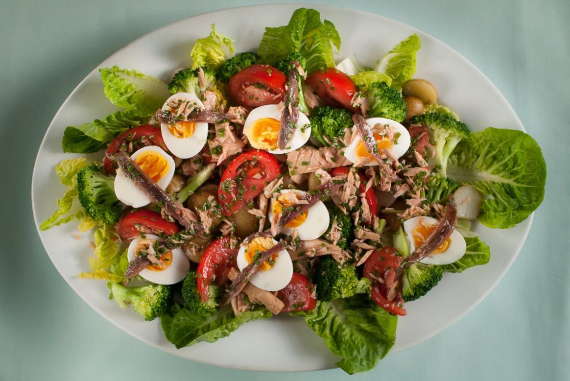 A Classic French Salad Niçoise Recipe
