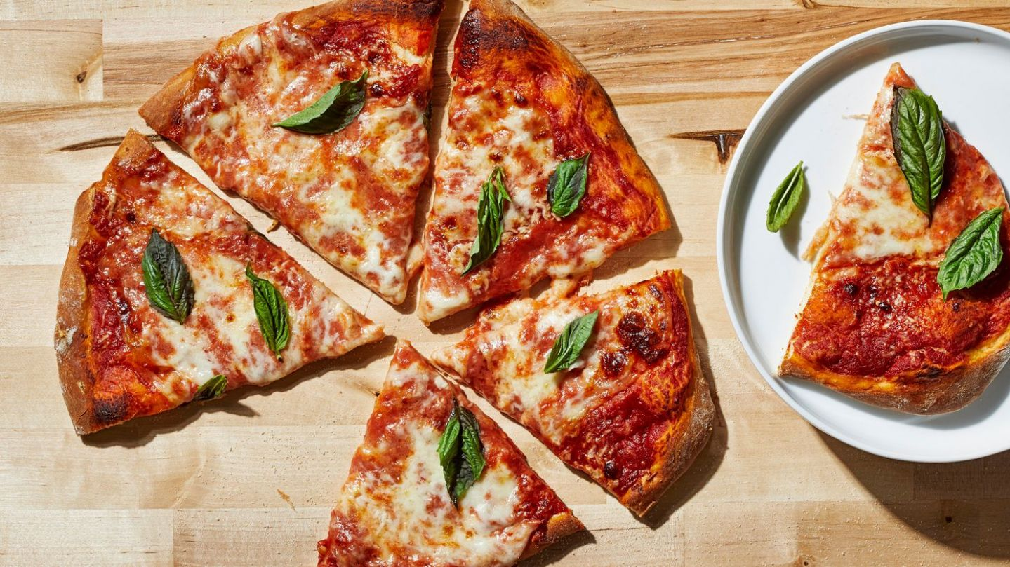 A great, easy homemade pizza recipe that doesn't require any ...