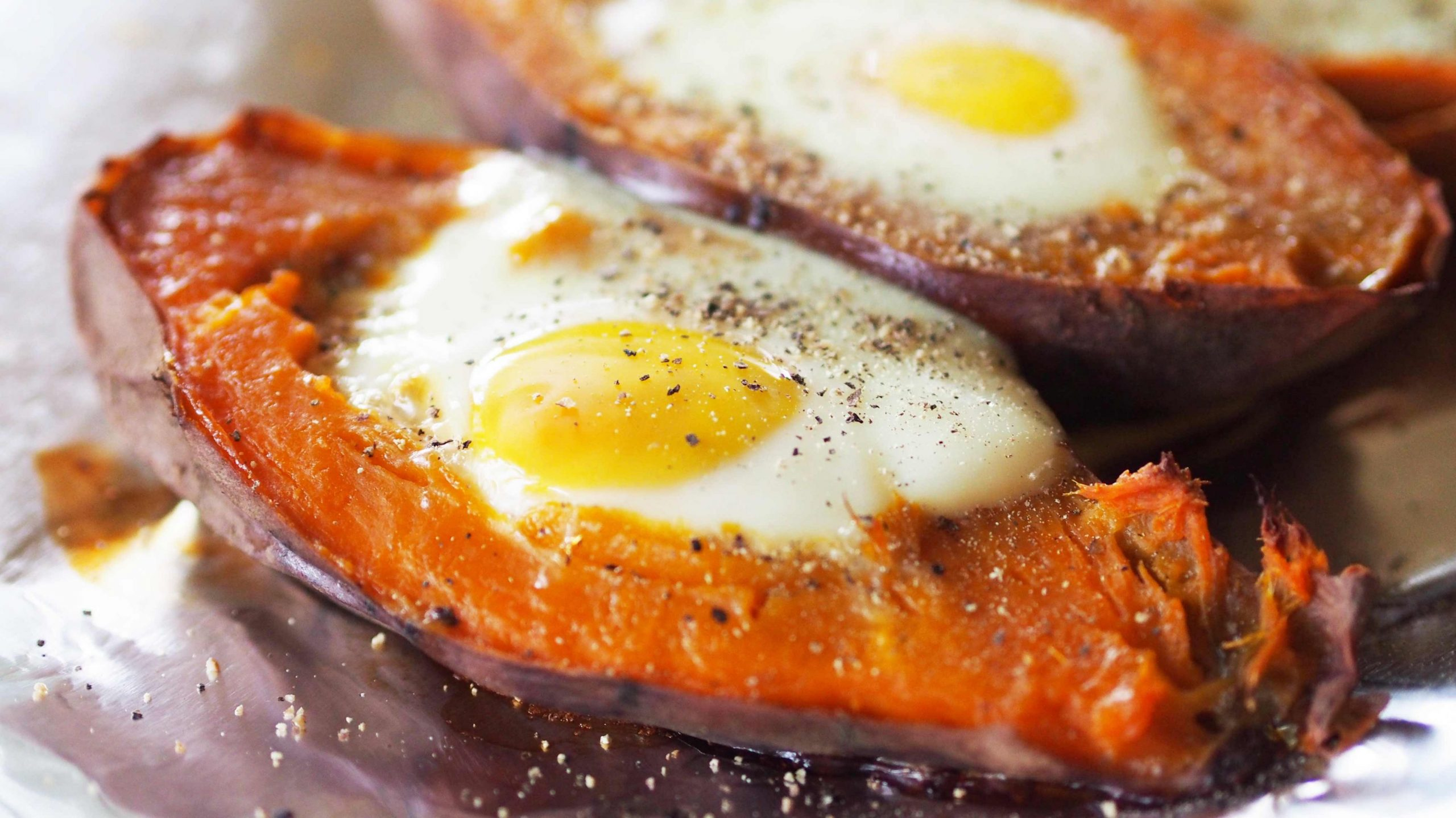 Baked Eggs in Sweet Potato Boats - Recipes Egg Sweet