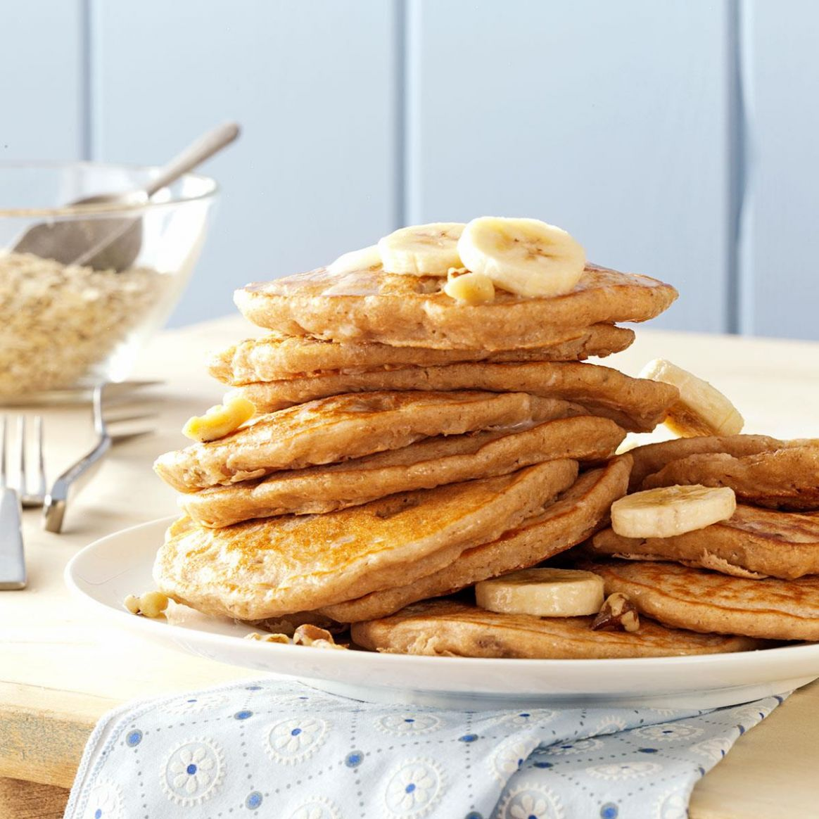 Banana Oatmeal Pancakes - Simple Recipes Using Bananas