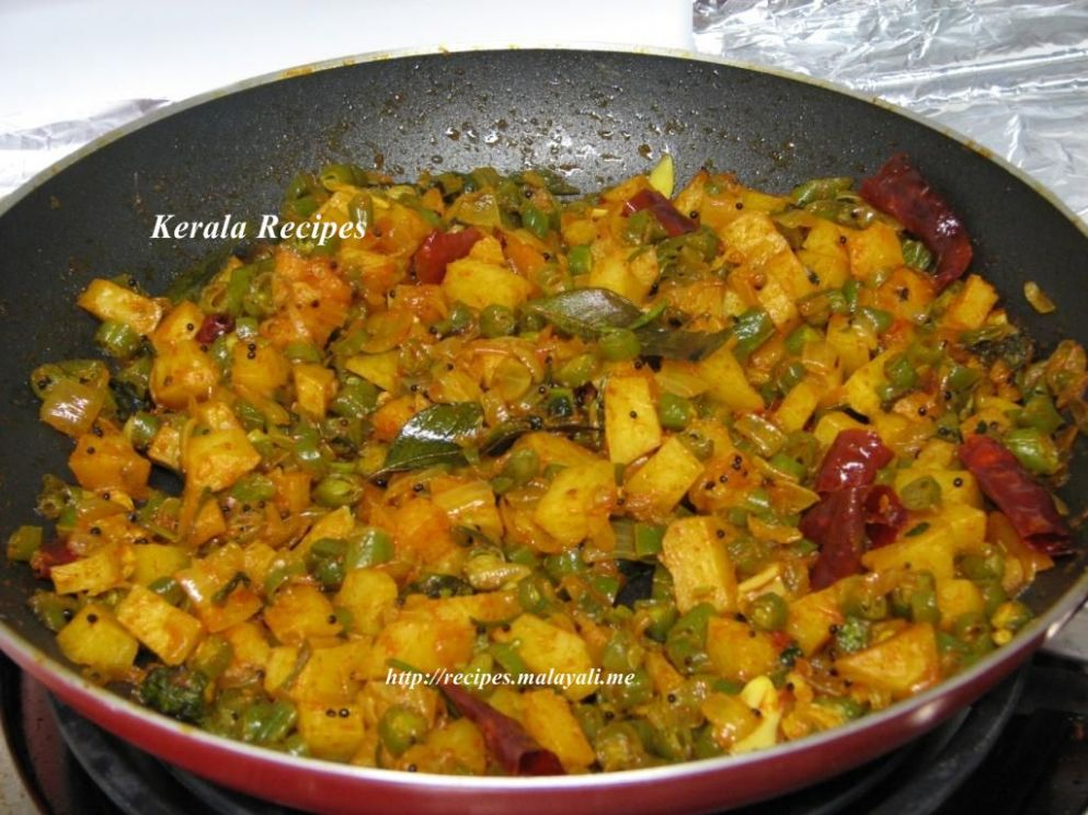 Beans and Potato Mezhukkupuratti (Stir Fry) – Kerala Recipes
