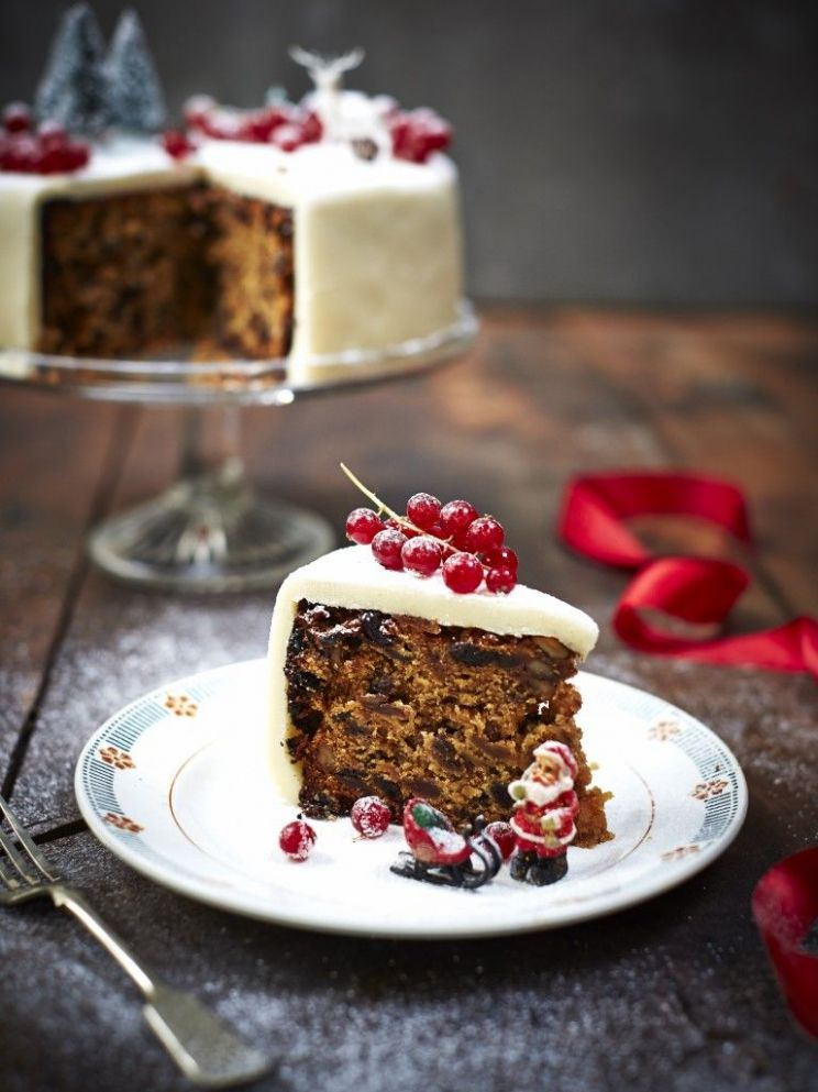 Bee's Bakery's perfect Christmas cake recipe | Cake recipes uk ...