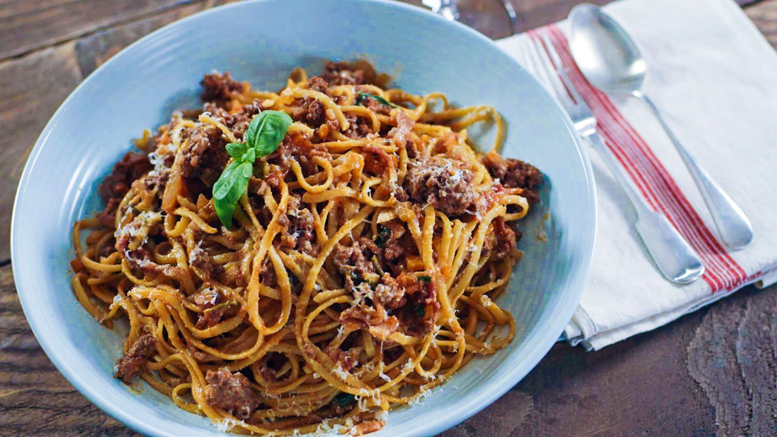 Beef ragu with linguine - Pasta Recipes James Martin