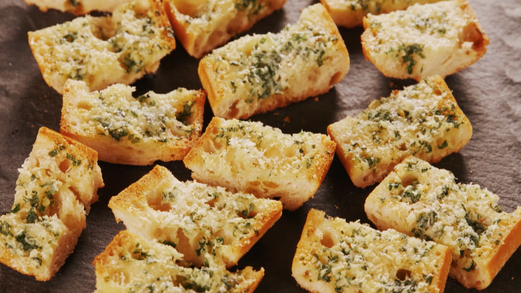 Best Garlic Bread - Simple Recipes Garlic Bread
