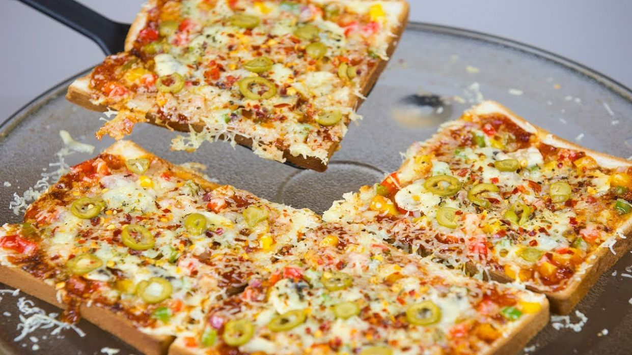 Bread Pizza Quick & Easy - Recipes With Pizza Loaf