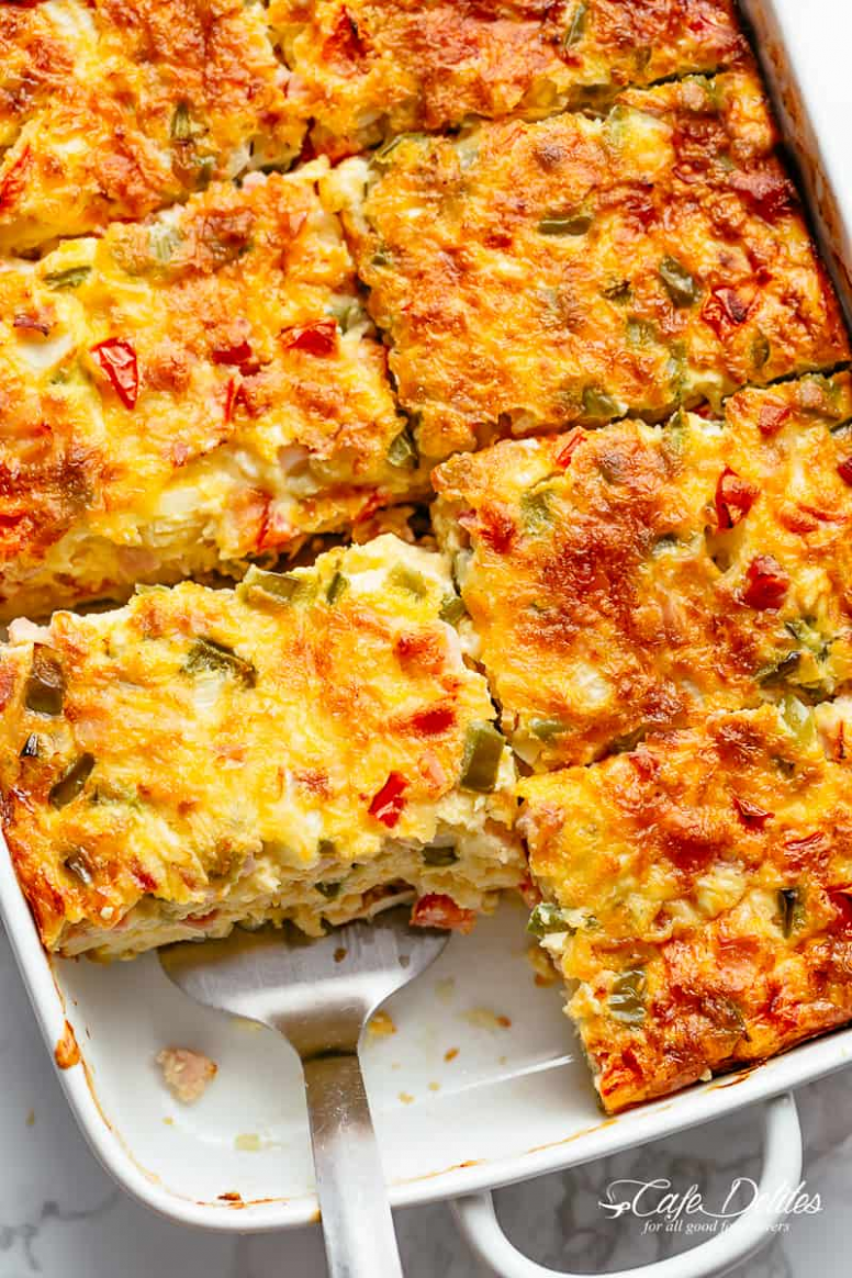 BREAKFAST CASSEROLE WITH HASH BROWNS, BACON OR SAUSAGE ...