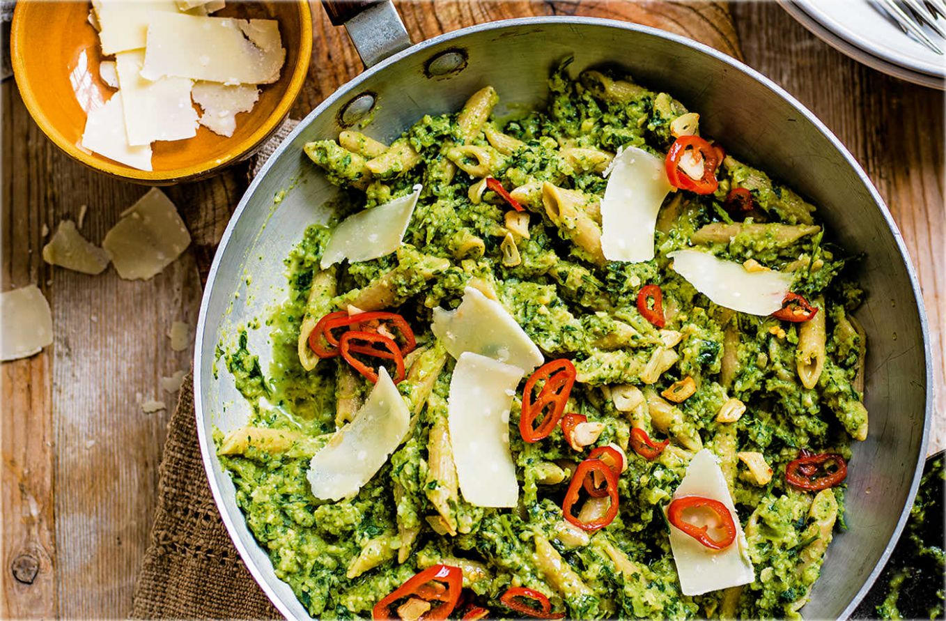 Broccoli pesto penne with chilli and garlic sizzle - Healthy Recipes Vegan