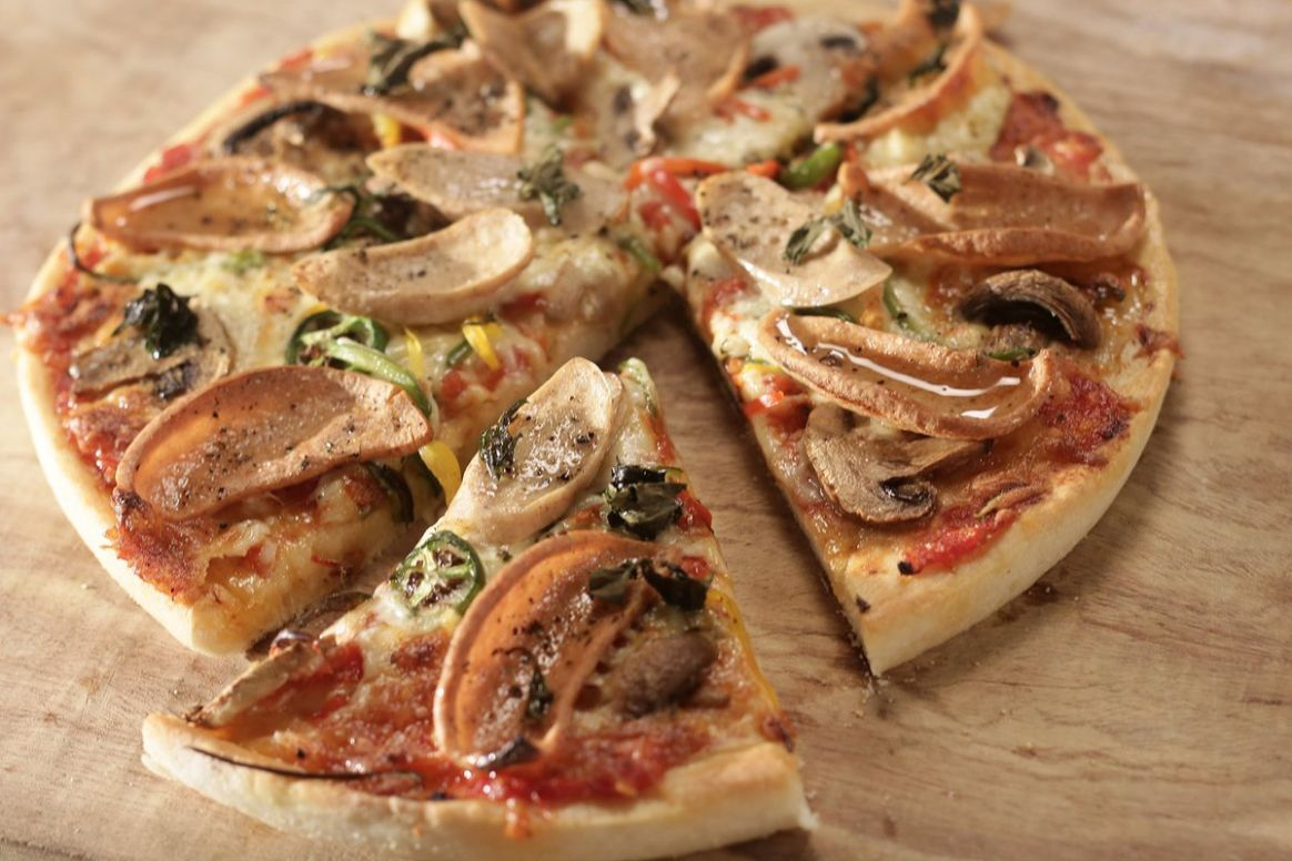 """Chef Sanjeev Kapoor on Twitter: """"Deep Pan Pizza - Learn to make ..."""