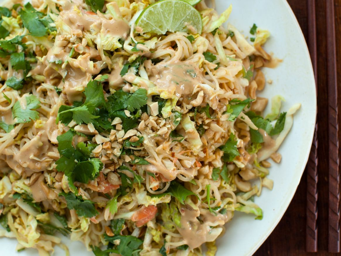Chilled Rice Noodle and Cabbage Salad with Spicy Peanut Dressing - Recipes Rice Noodles Cabbage