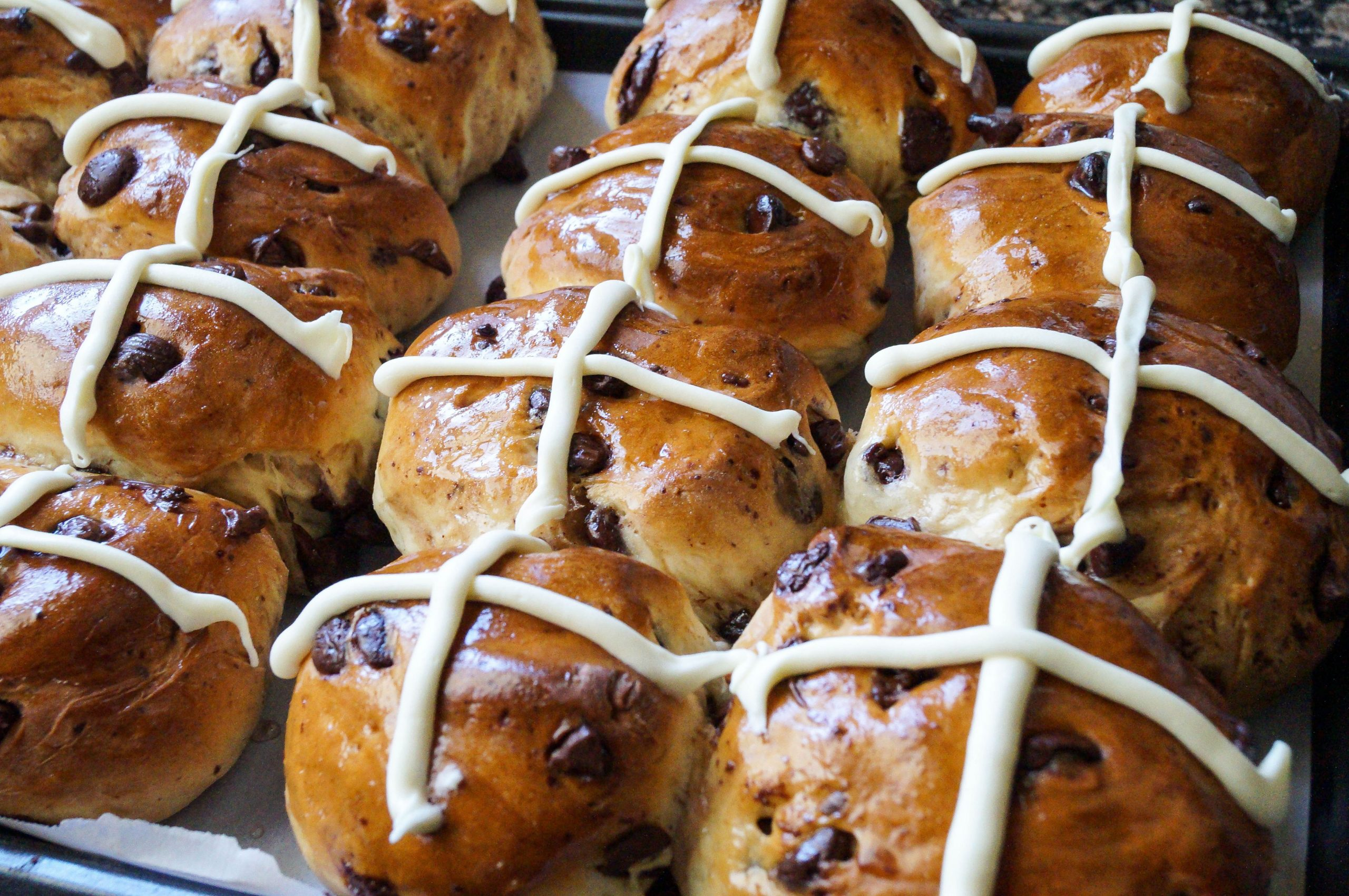 Chocolate Chip Hot Cross Buns - Recipe Chocolate Hot Cross Buns