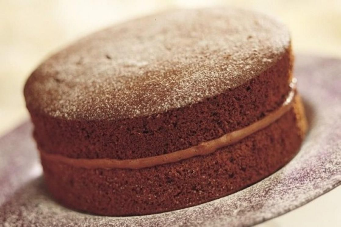 Chocolate Victoria Sponge Cake - Recipe Chocolate Victoria Sponge