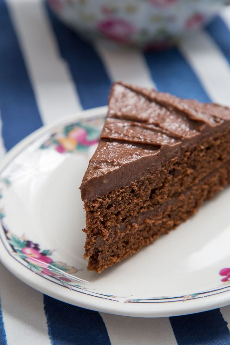 Chocolate Victoria Sponge Cake Recipe You'll Love | Sponge cake ...