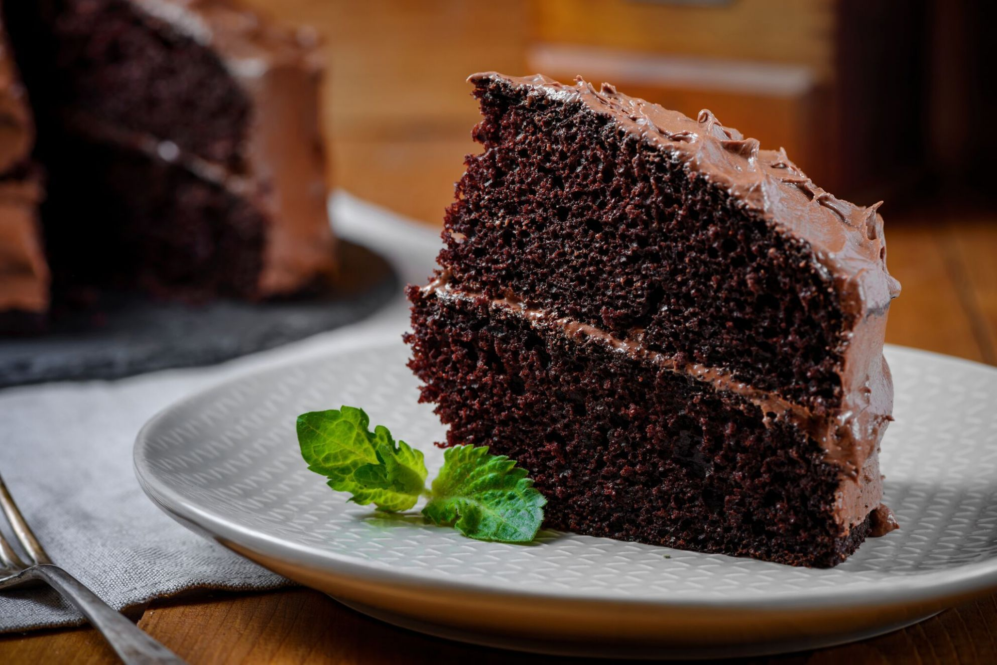 Classic and Easy Chocolate Cake Recipe - Recipes Cakes