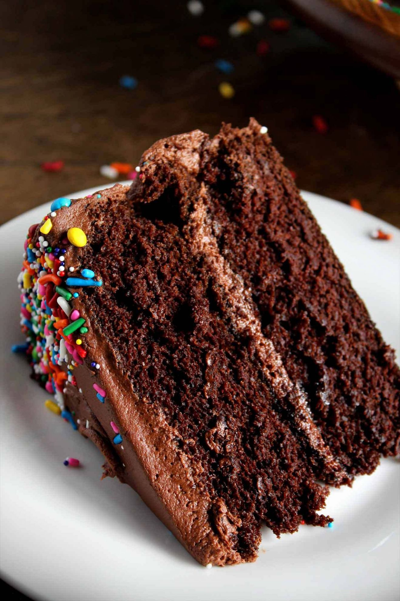 Classic Chocolate Birthday Cake - Cake Recipes Easy Chocolate