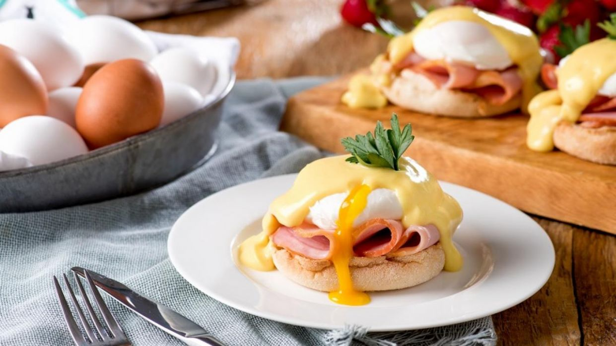 Classic Eggs Benedict - Recipes Egg Benedict