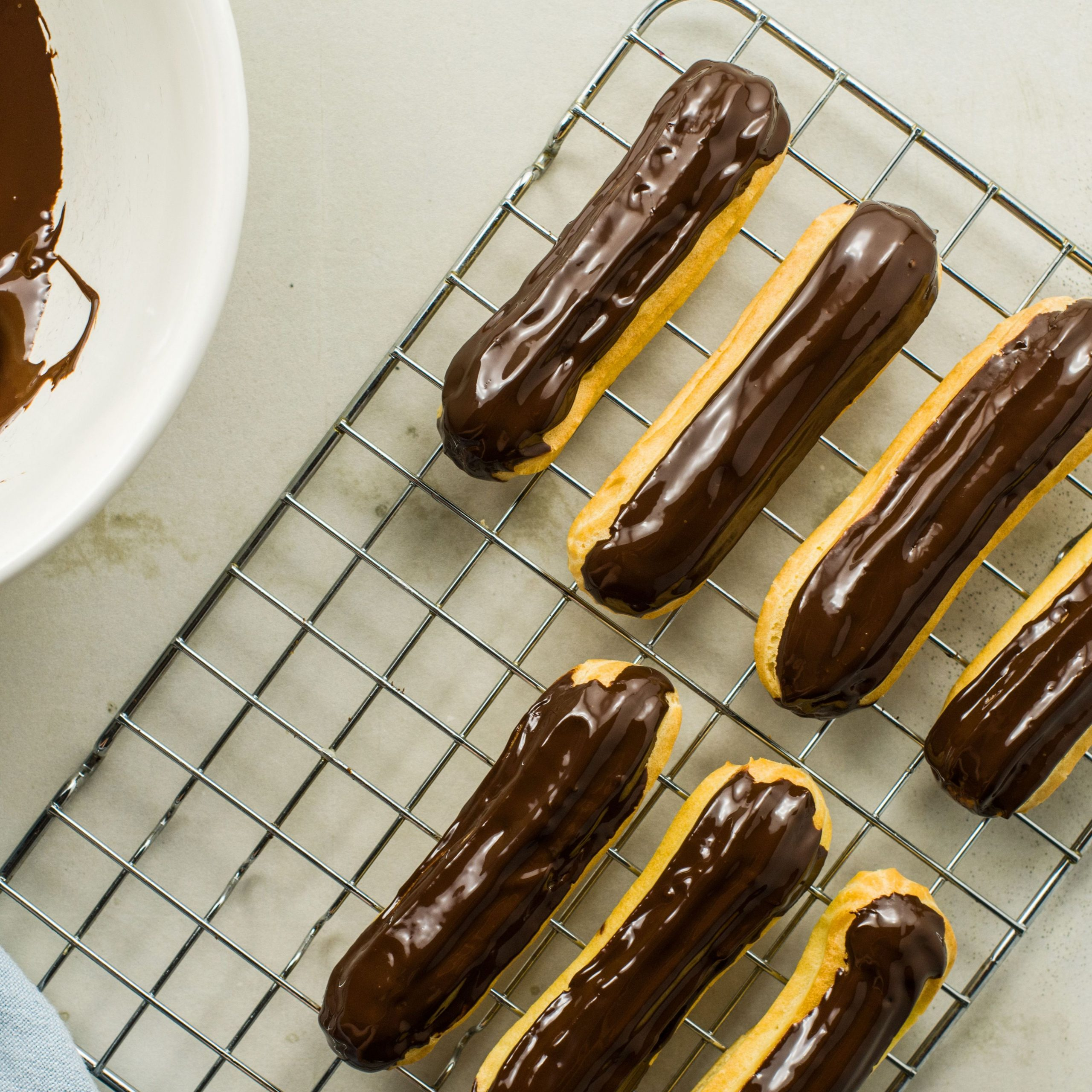 Classic French Chocolate Éclair Recipe