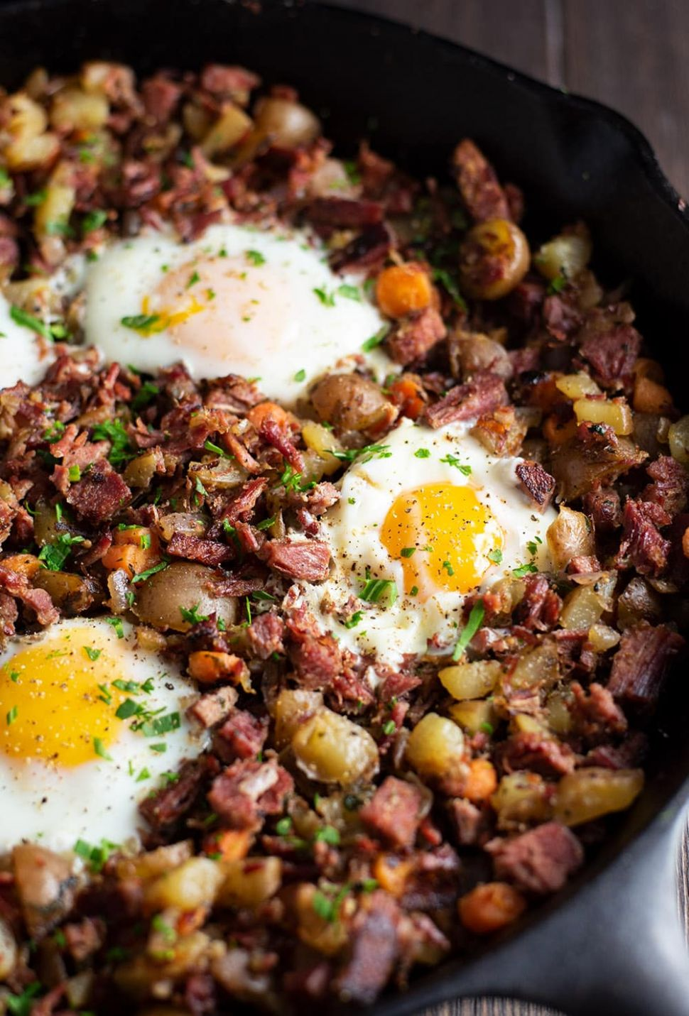Corned Beef Hash and Eggs Recipe - Recipes Beef Hash