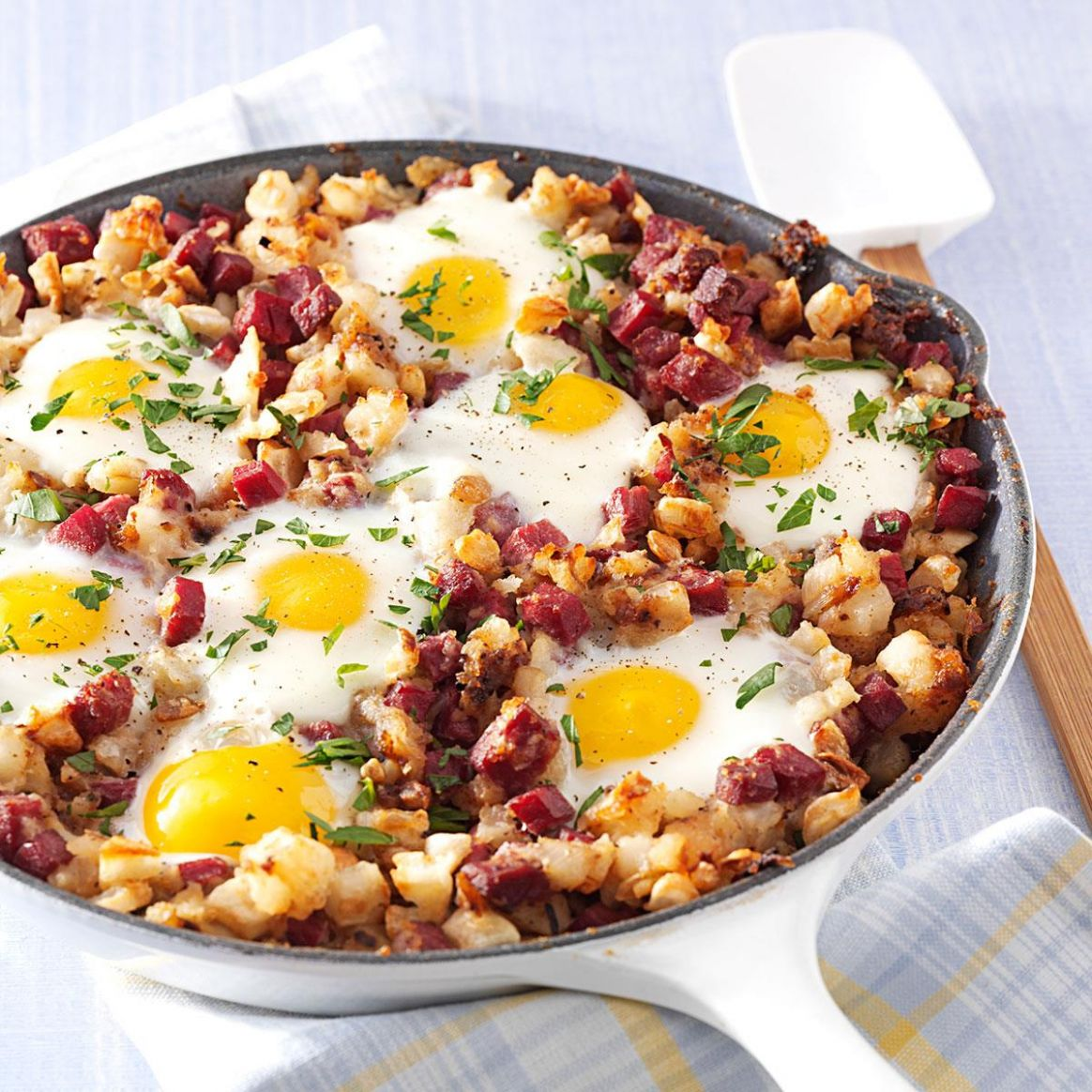 Corned Beef Hash and Eggs - Recipes Cooking Corned Beef