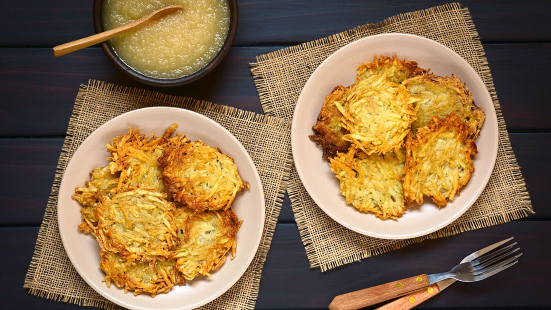 Crispy Hanukkah Potato Pancakes (Latkes) - Recipes Potato Latkes Hanukkah
