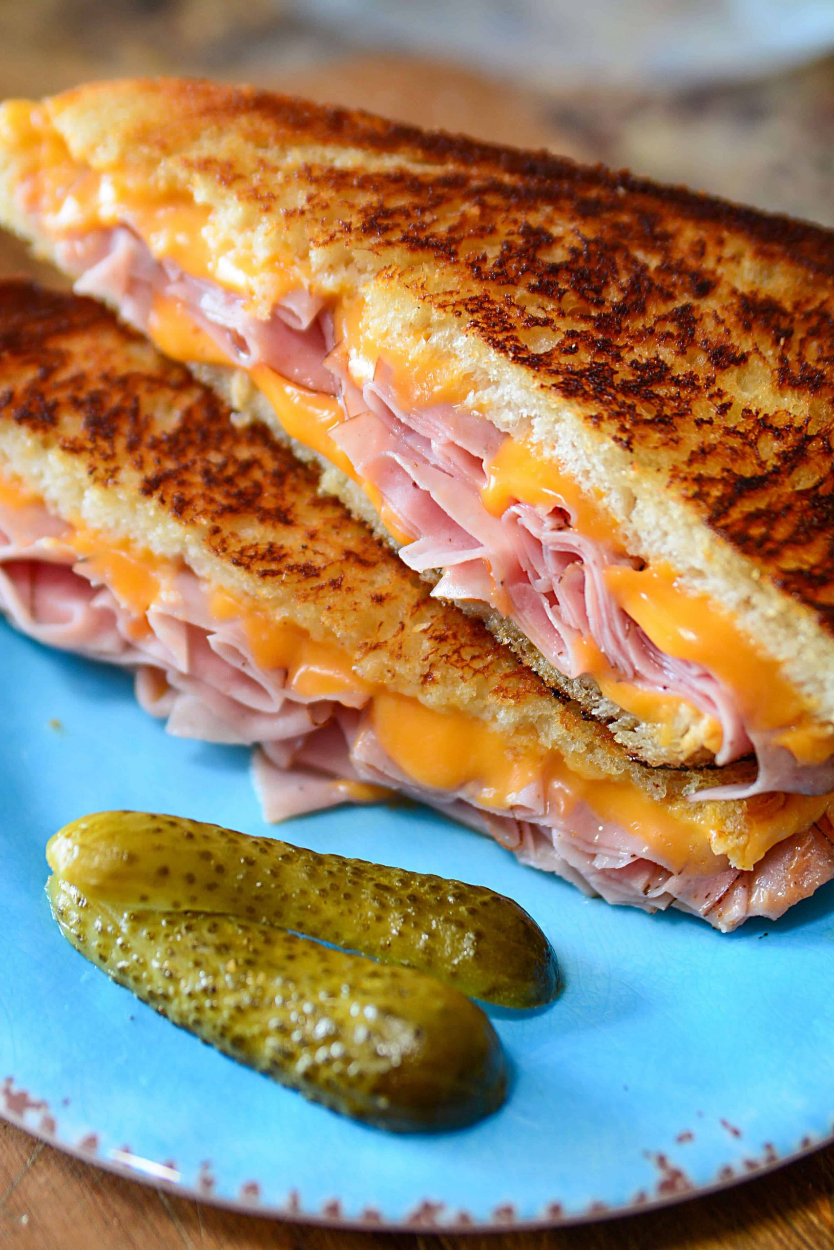 DELICIOUS GRILLED HAM AND CHEESE SANDWICH | The Salty Pot |