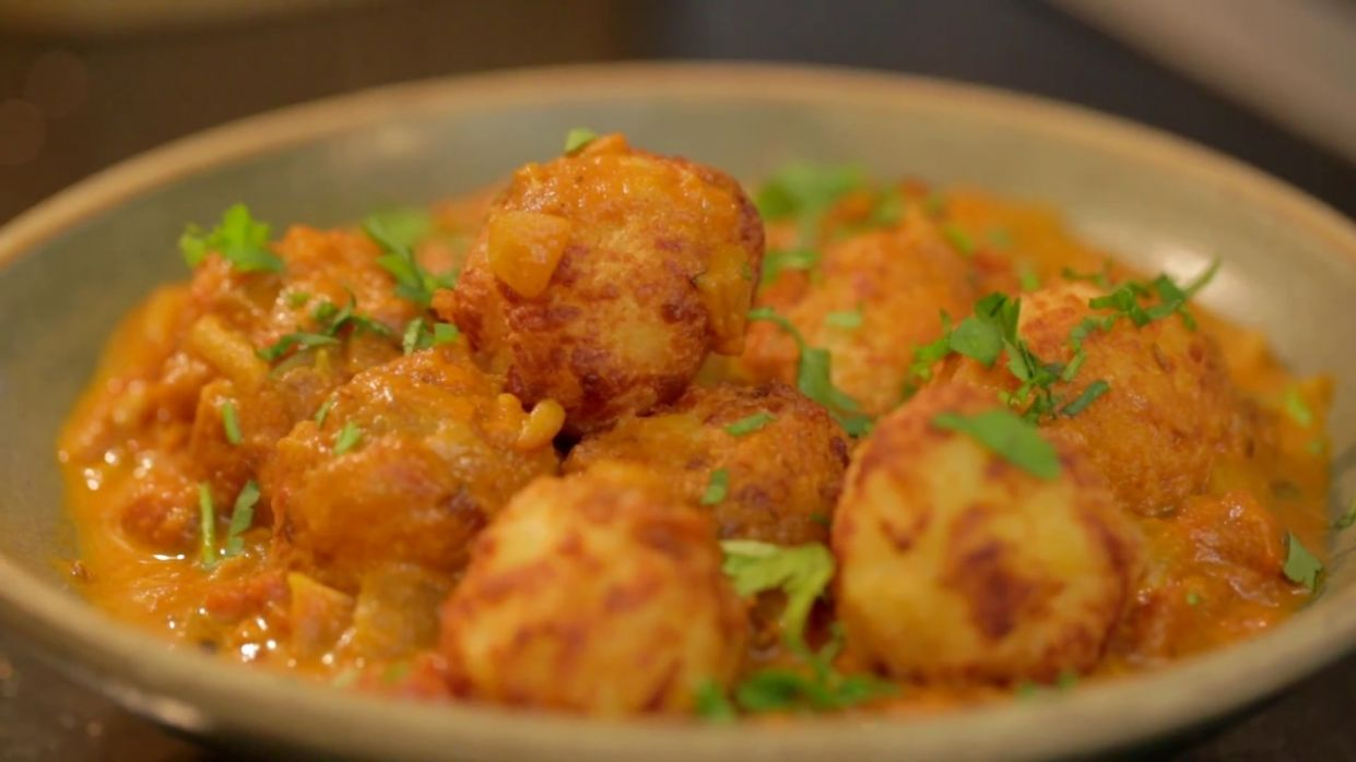 Delicious Vegetarian Kofta Curry - Food with Chetna - Recipe Vegetarian Kofta Balls