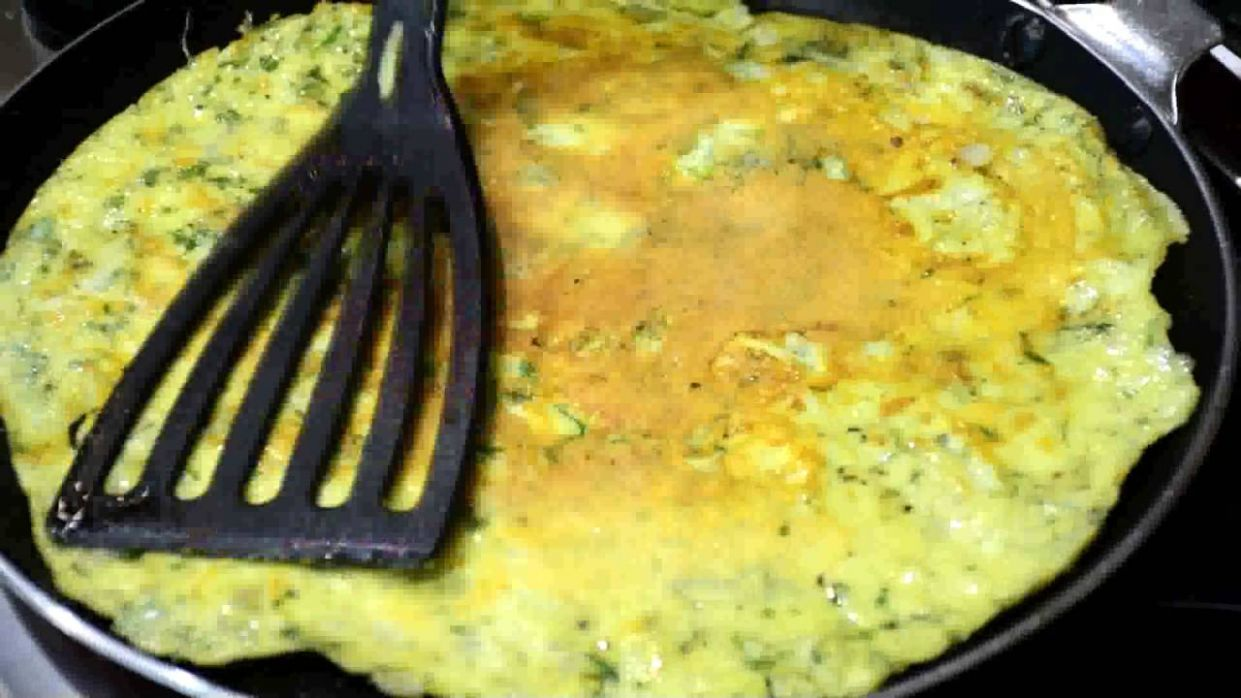 Egg and Cheese Omelette - Breakfast Recipes - Recipe Egg Omelette Cheese