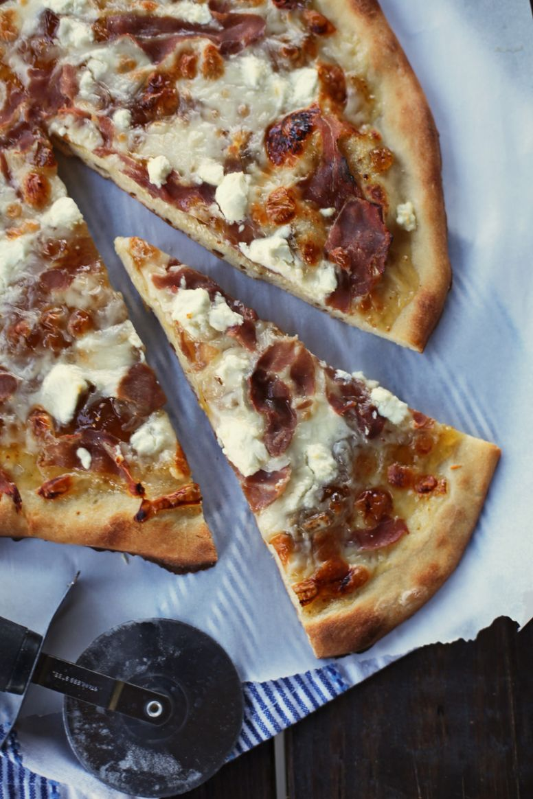 Fig Pizza with Goat Cheese and Prosciutto