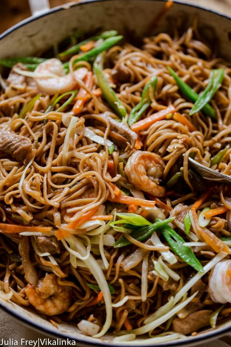 Filipino Noodles with Pork and Shrimp (Pancit Canton)