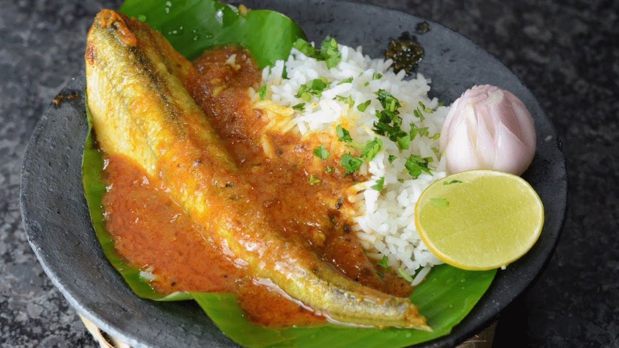 Fish Curry - By Vahchef @ Vahrehvah.com