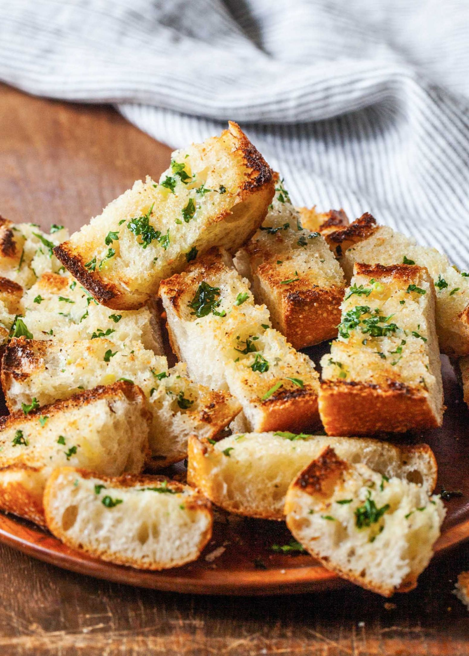 Garlic Bread - Simple Recipes Garlic Bread