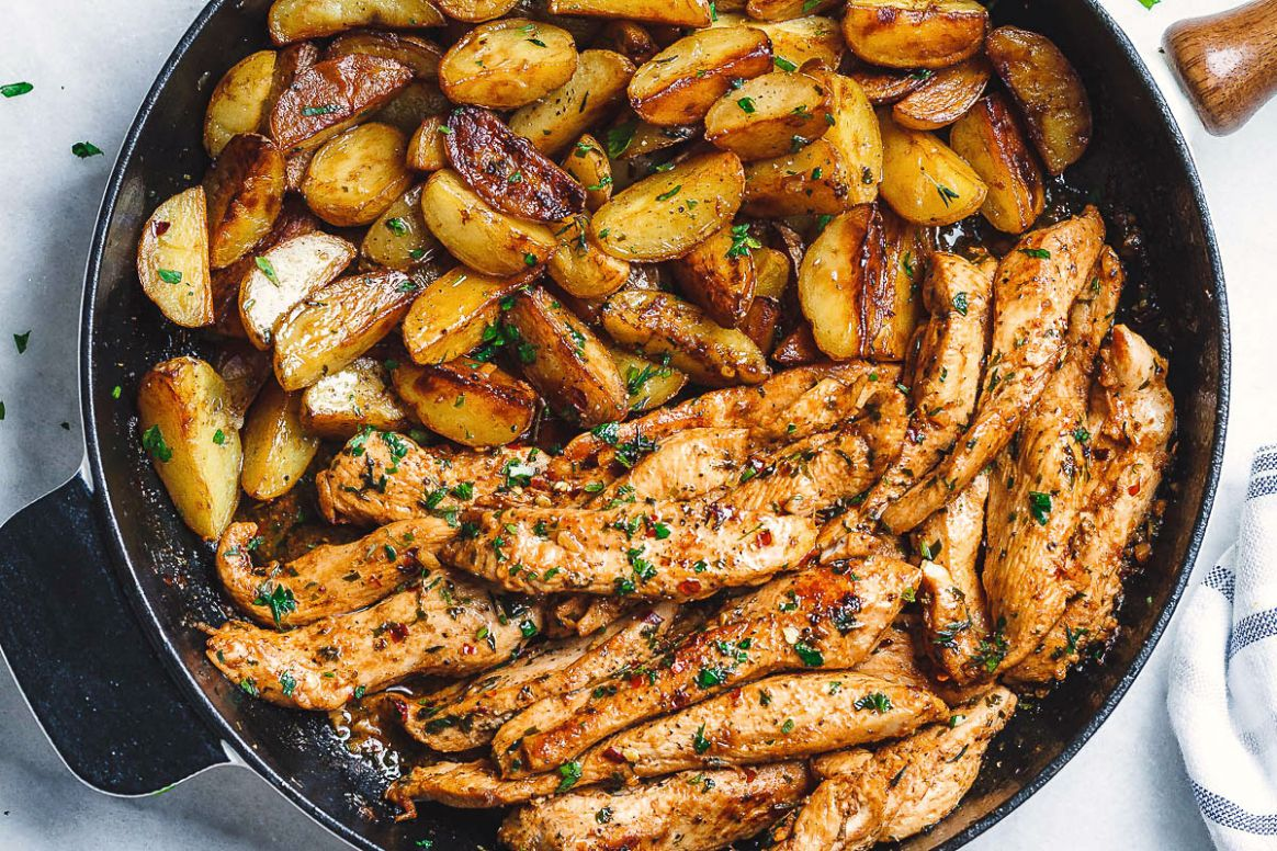 Garlic Butter Chicken and Potatoes Skillet - Potato Recipes Home Cooking