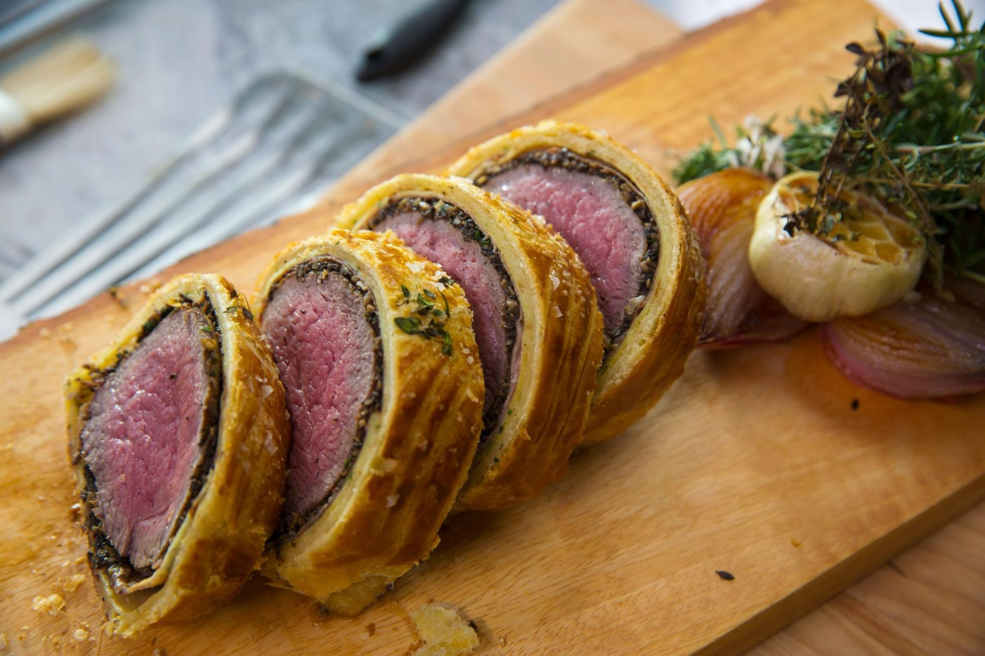 Gordon Ramsay's Beef Wellington Recipe: How to Make Beef Wellington With  Mushroom Duxelles - Recipes Beef Wellington