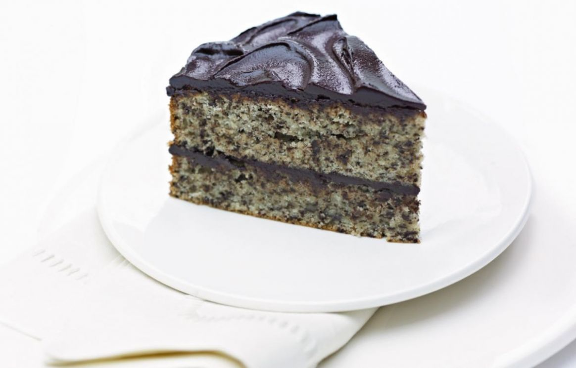 Grated Chocolate and Almond Cake