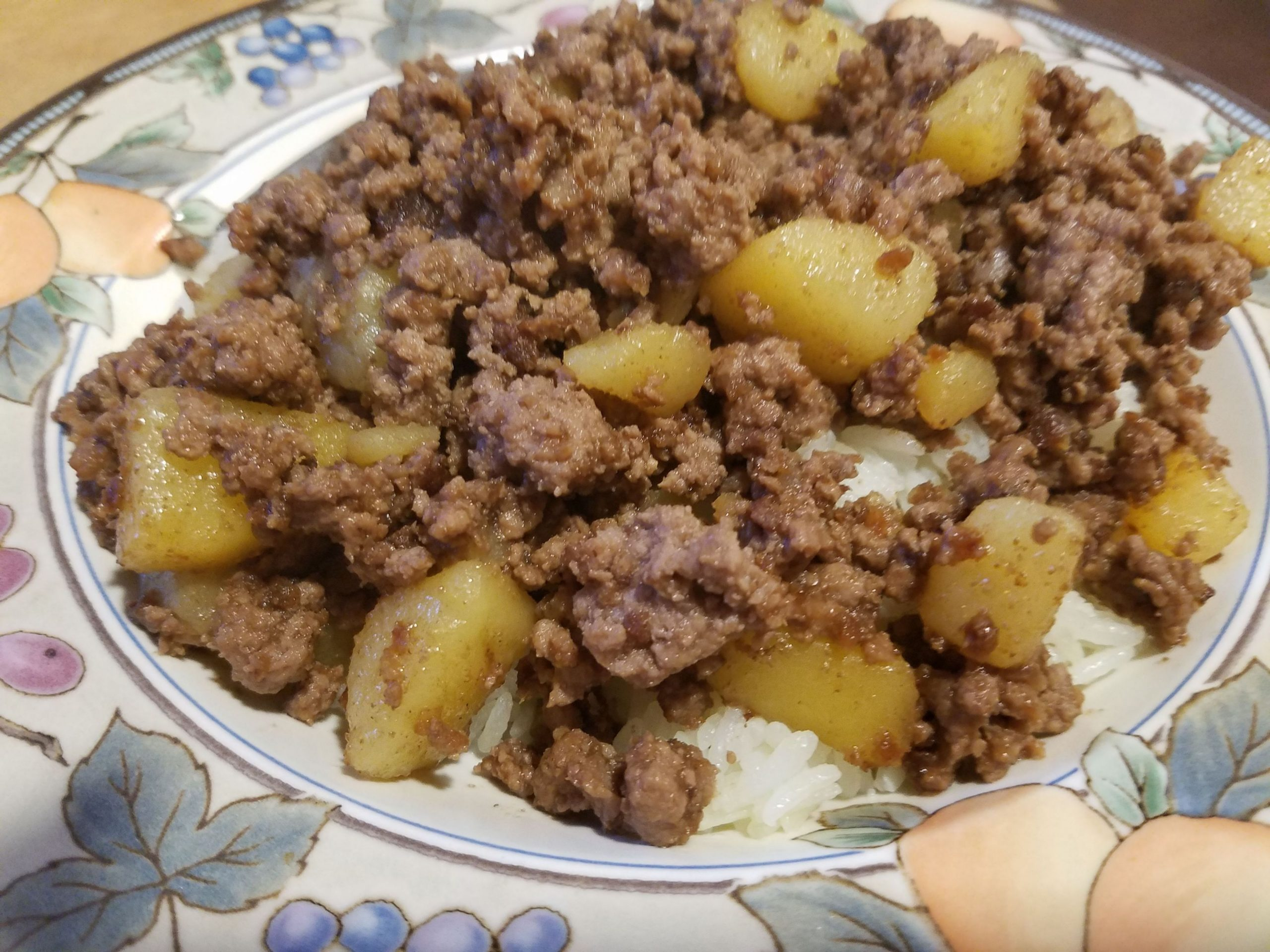 Ground Beef and Potatoes (Oh so Simple!)