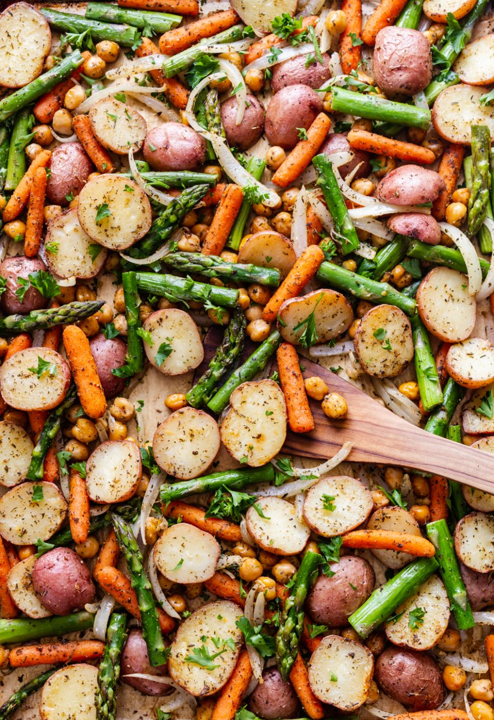 HERBED POTATO, ASPARAGUS & CHICKPEA SHEET PAN DINNER