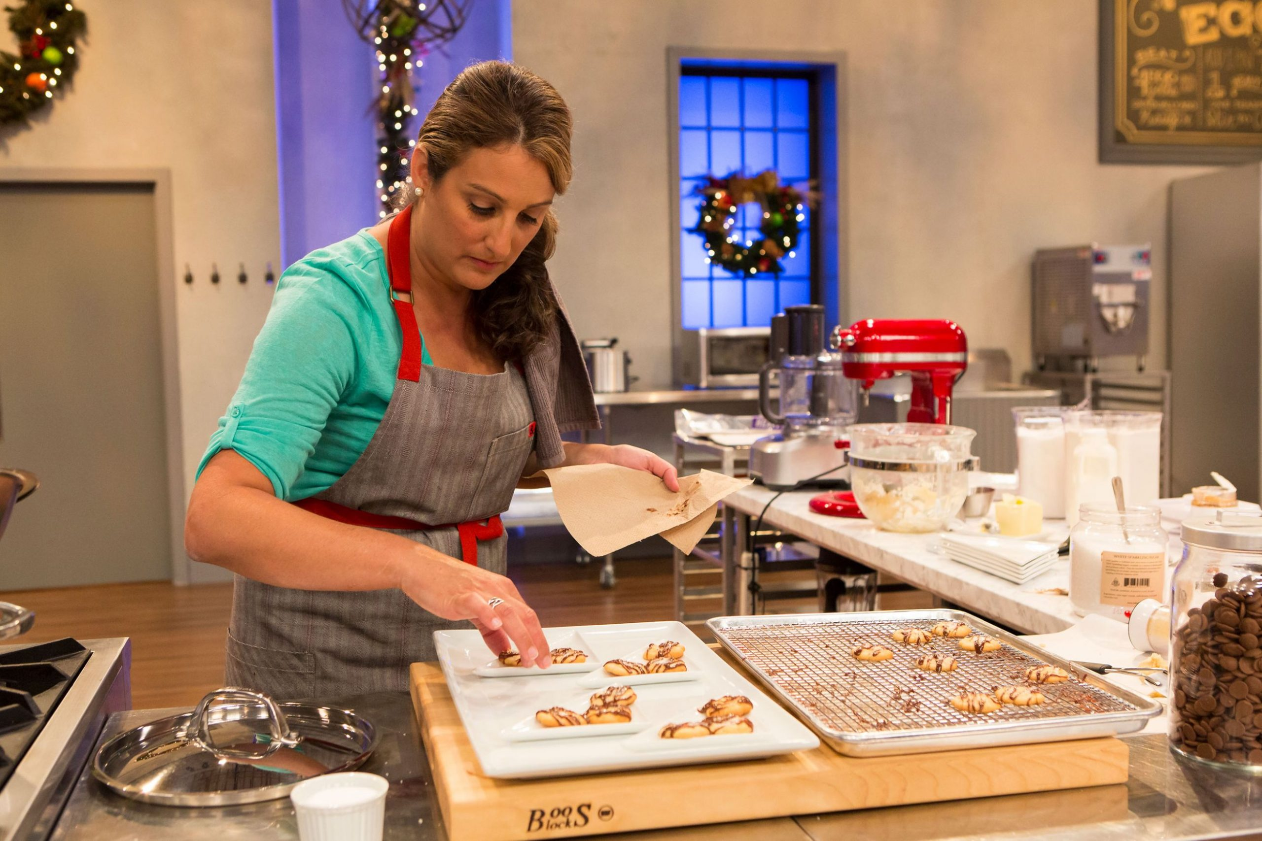 HOLIDAYS AT FOOD NETWORK GET EVEN SWEETER WITH NEW SERIES HOLIDAY ...