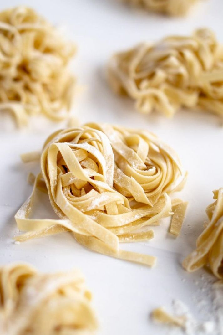 Homemade pasta recipe with the KitchenAid stand mixer. Easier than ...