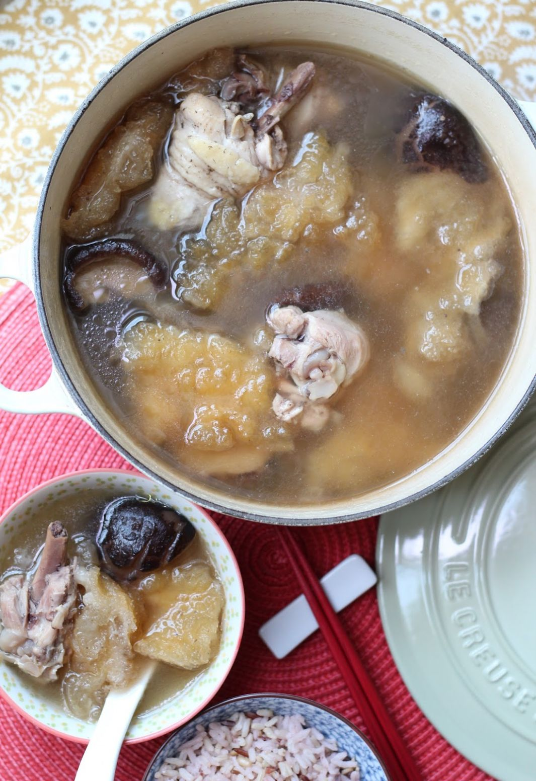 Honey Bee Sweets: Chicken Mushroom and Fish Maw Soup - Recipe Fish Maw Soup