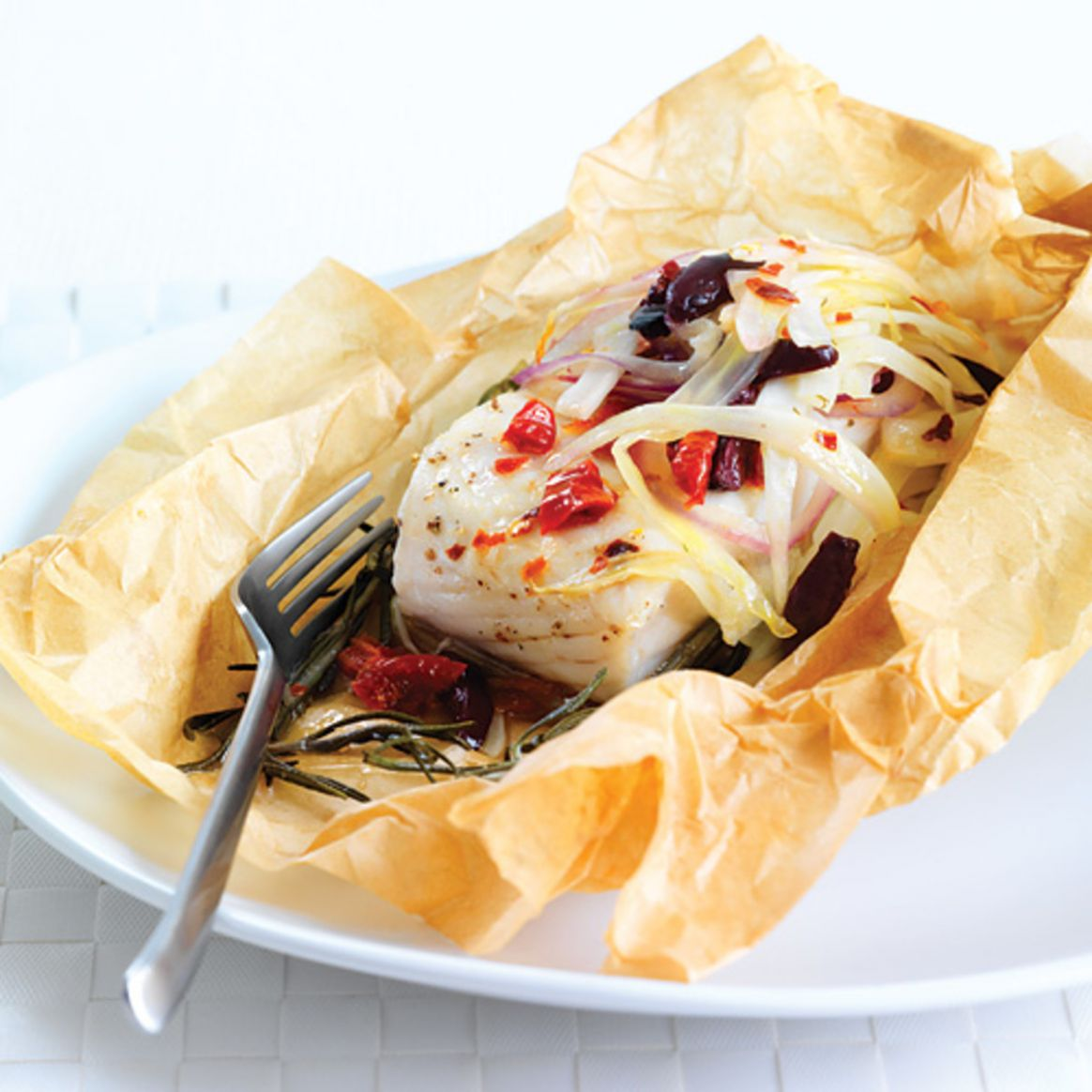 How to Bake Fish in Parchment Paper - Clean Eating Magazine - Recipes Fish In Parchment Paper
