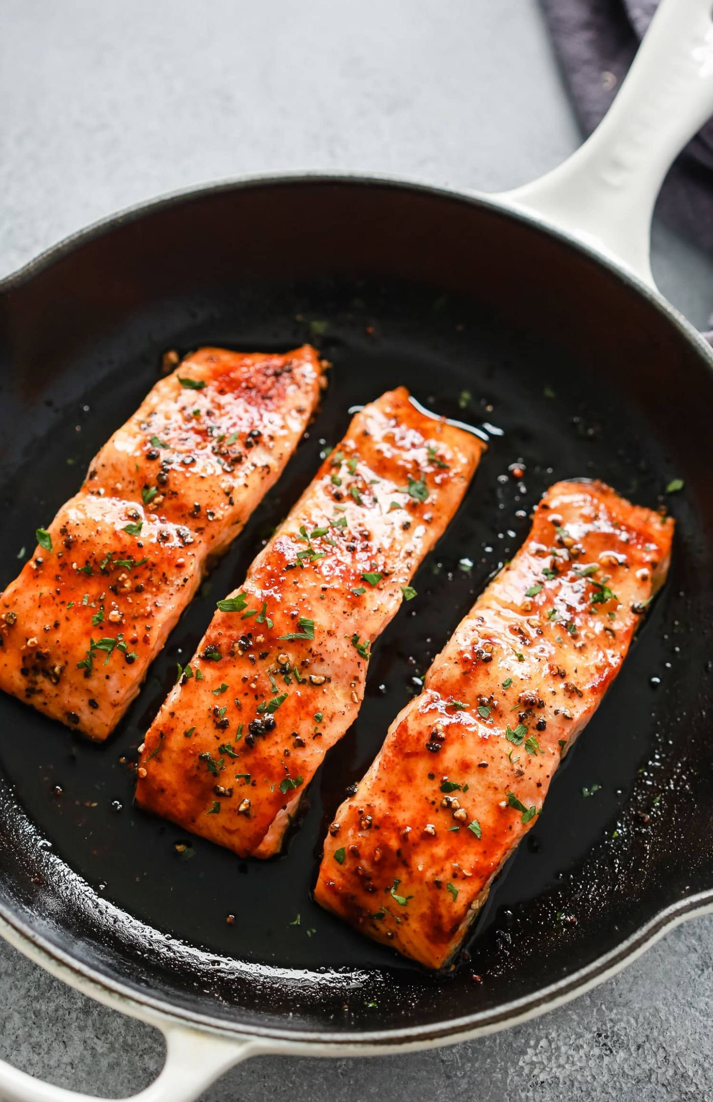 How to Cook Salmon in the Oven - Primavera Kitchen