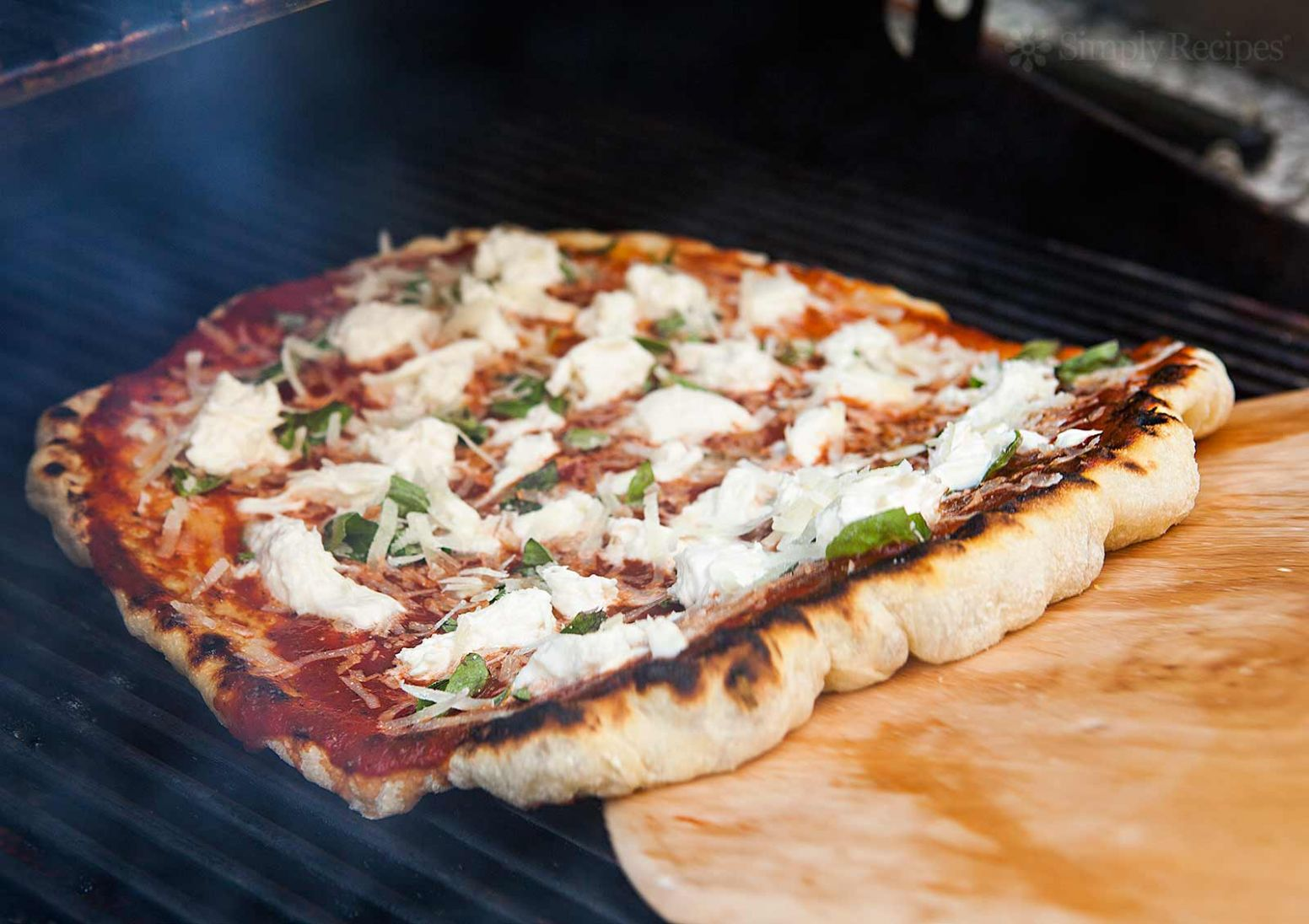 How to Grill Pizza - Pizza Recipes Grill