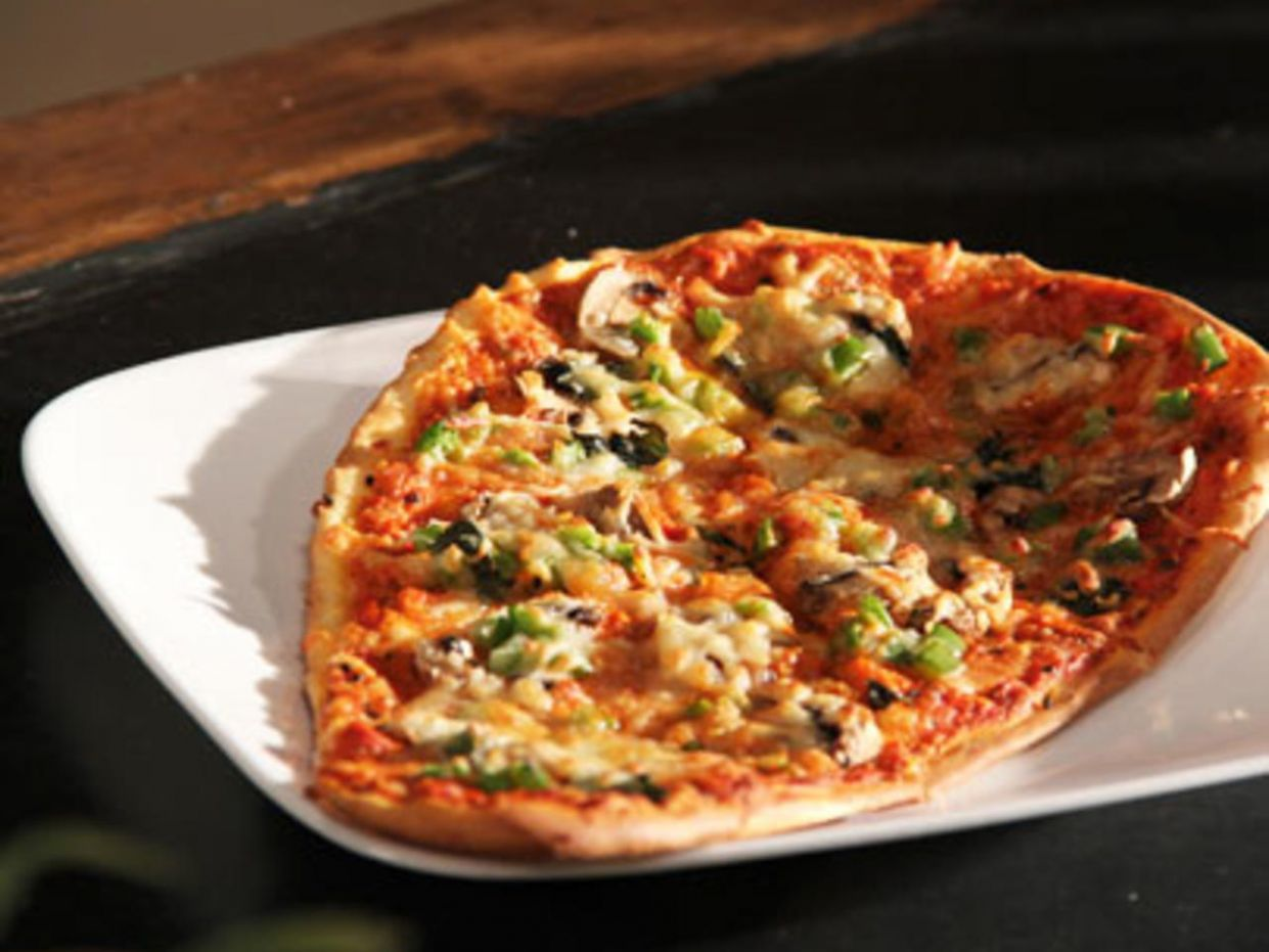 How to Make Naan Pizza, Recipe by Masterchef Sanjeev Kapoor