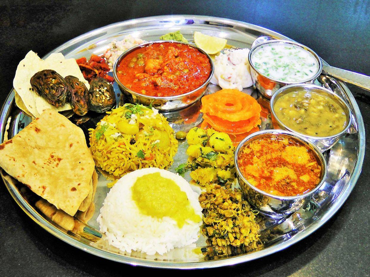 How to serve plate? - Madhurasrecipe