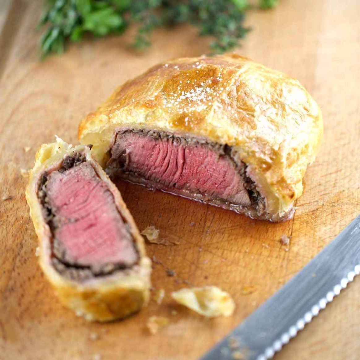 Individual Beef Wellington with Mushroom Sauce - Recipes Beef Wellington