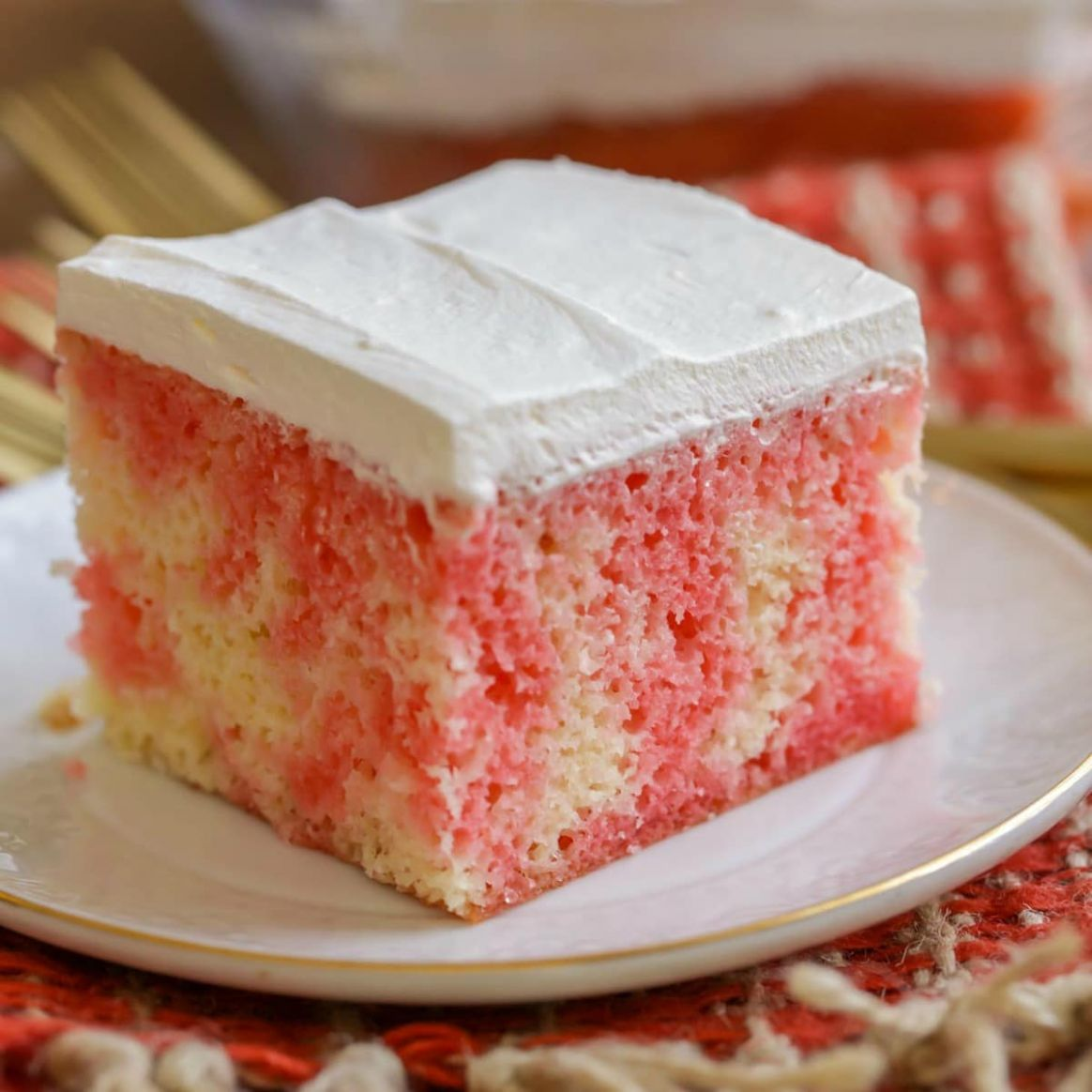 Jello Poke Cake Recipe (Works with any Flavor of Jello!) +VIDEO ..