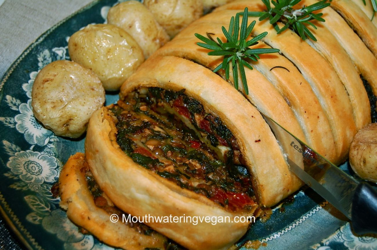 Lentil Mushroom Spinach Christmas Roulade Mouthwatering Vegan Recipes