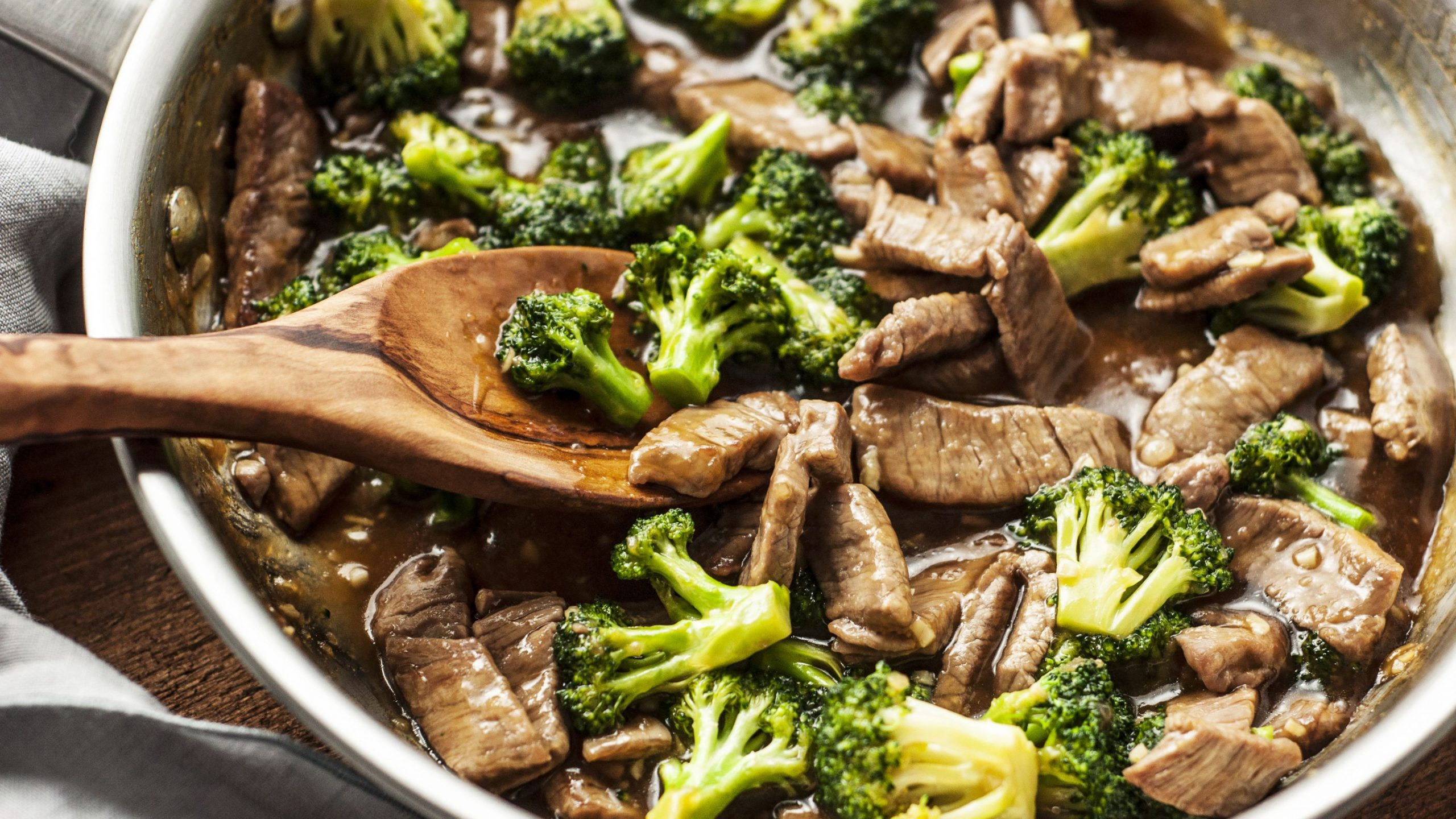 Low-Calorie Beef and Broccoli Stir-Fry - Beef Recipes Healthy Easy
