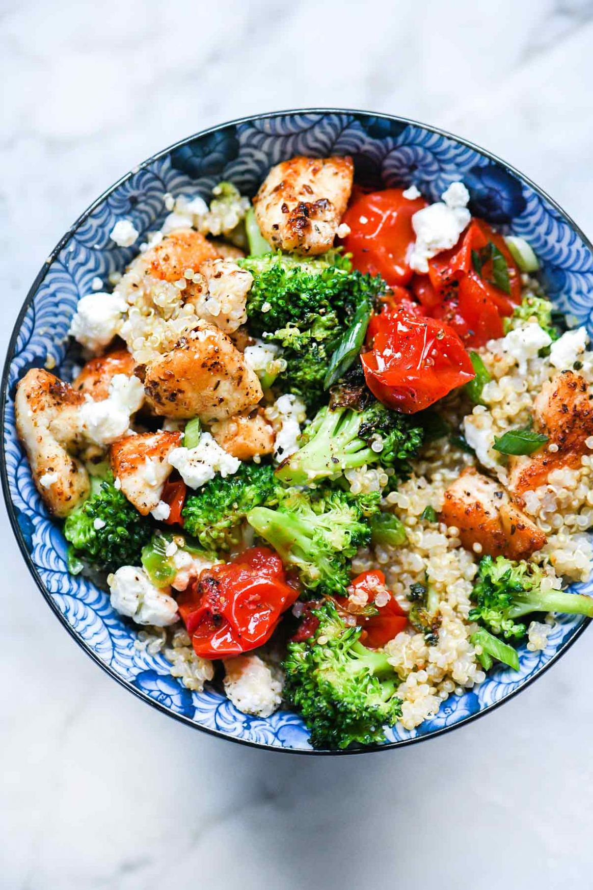 Mediterranean Chicken Quinoa Bowl with Broccoli and Tomato - Dinner Recipes Quinoa